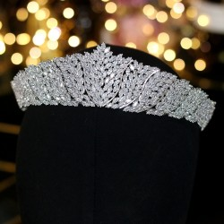 Exclusive silver crown - headband made of cubic zirconia
